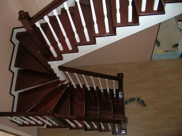 Как перекрасить лестницу из темного в светлый в домашних условиях